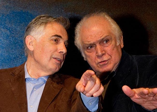 """Θέατρο. Είδαμε τον """"Ιουλιανό"""", με τον Κώστα Καζάκο  thumbnail"""