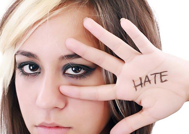 Γιατί τα παιδιά γίνονται επιθετικά στην εφηβεία;  thumbnail