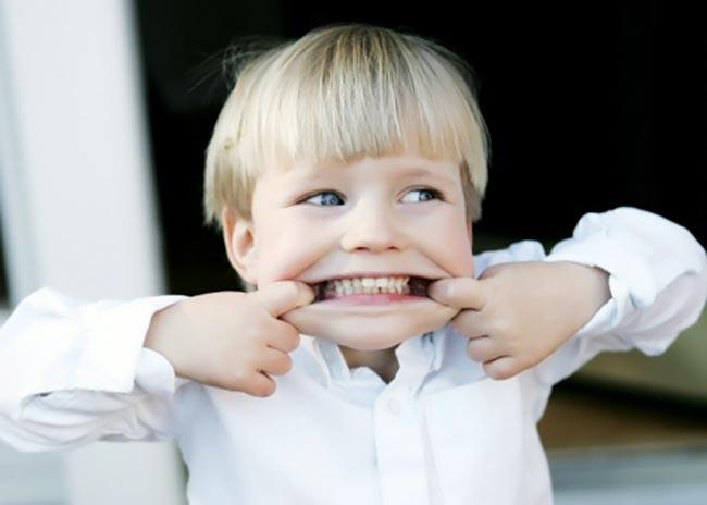 Χρειάζονται τα δόντια του παιδιού μου καθαρισμό; thumbnail