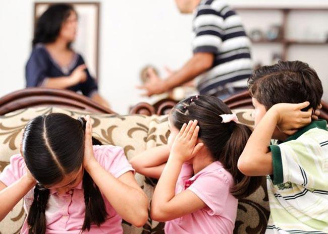 Πώς επηρέασε η κρίση την ελληνική οικογένεια; thumbnail