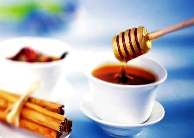 Καταπολέμησε την ακμή με μέλι και κανέλα! thumbnail