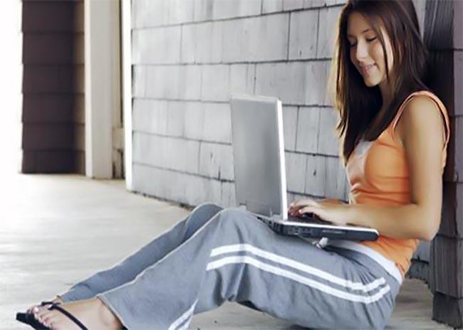 Τι κινδύνους κρύβουν οι διαδικτυακές φιλίες των παιδιών;  thumbnail