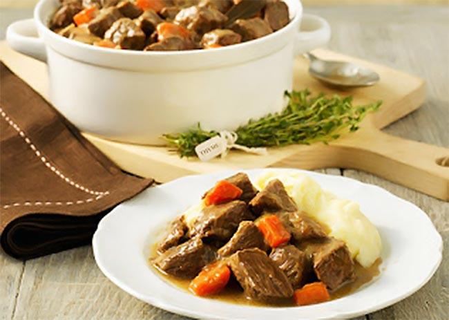Μοσχαράκι φούρνου με καρότα και κόκκινο κρασί thumbnail