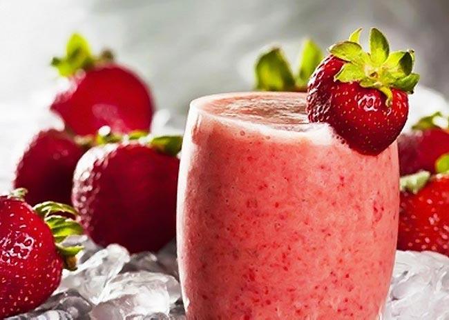 Ρόφημα με σπιρουλίνα και φράουλα thumbnail