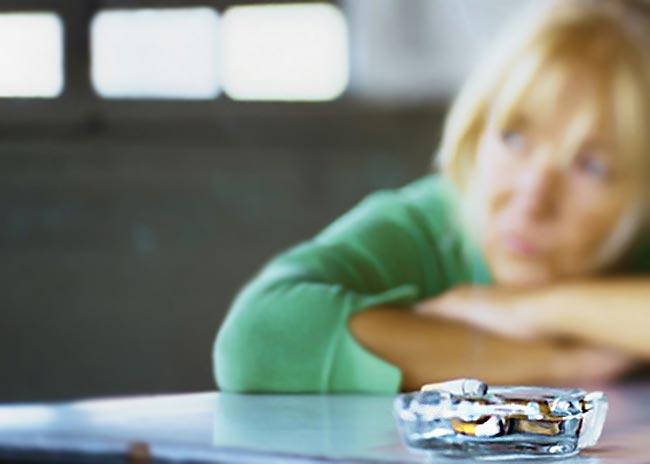 Oι γυναίκες υποφέρουν πιο πολύ από άγχος και κατάθλιψη;  thumbnail