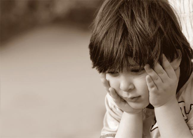 Τι είναι το παιδικό άγχος αποχωρισμού;  thumbnail