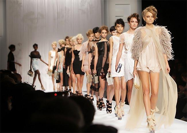 Ρούχα διάσημων οίκων από 20 ευρώ! thumbnail