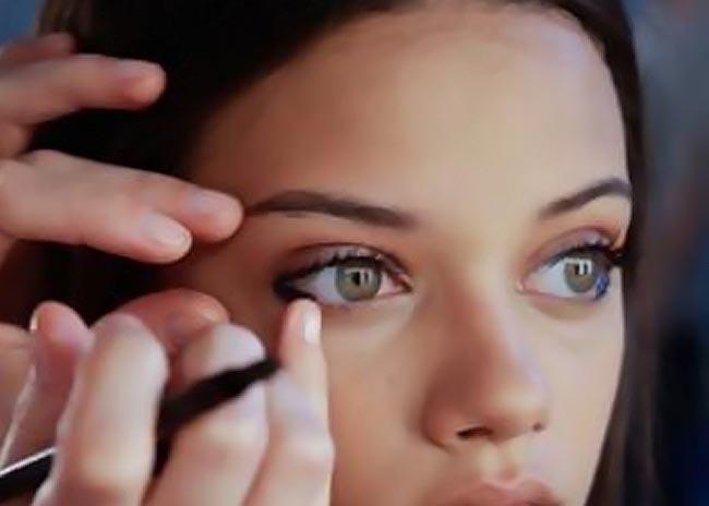 Ξέρεις να χρησιμοποιείς το eyeliner σωστά;  thumbnail