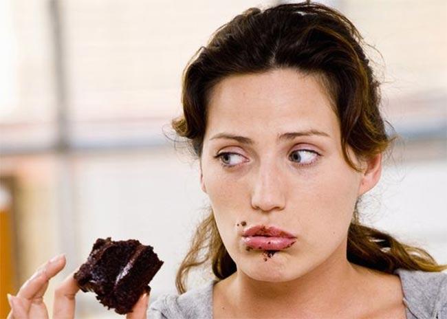 Ποια συναισθήματα μας κάνουν να τρώμε πιο πολύ;  thumbnail