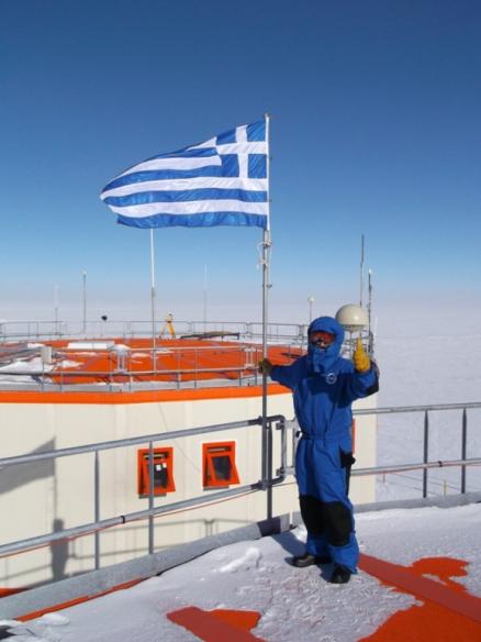 O Έλληνας γιατρός της Ανταρκτικής! thumbnail