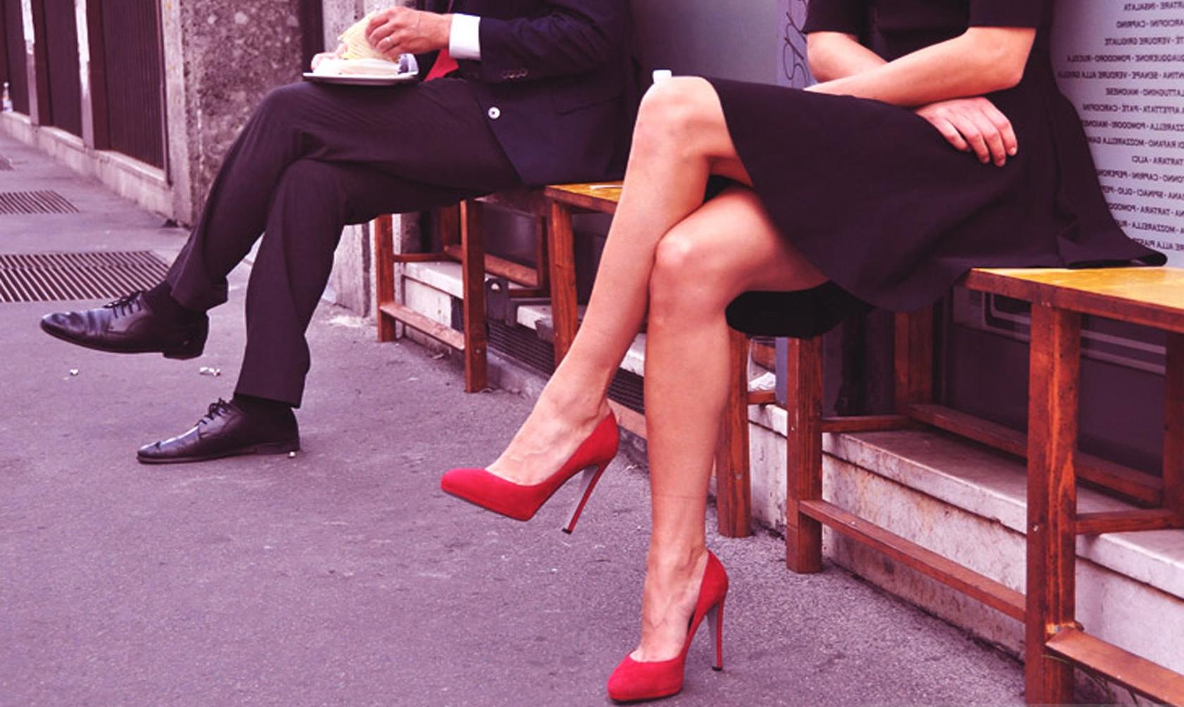 Τα πόδια προδίδουν τις κρυφές σκέψεις της γυναίκας; thumbnail