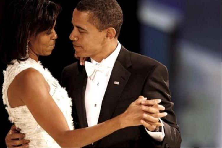 Πανικός στις ΗΠΑ για τα μπράτσα της Μισέλ Ομπάμα! thumbnail