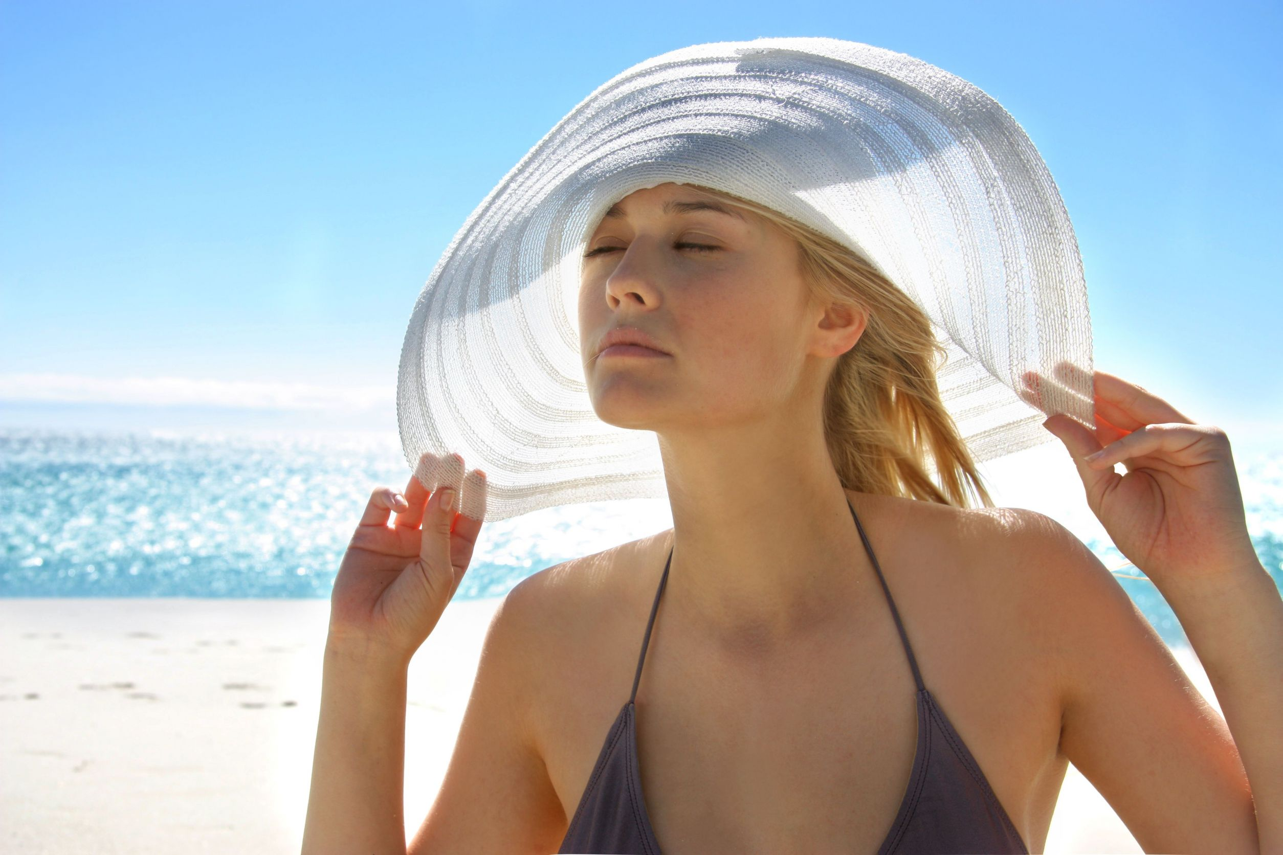 Γιατί οι ανοιχτόχρωμες κινδυνεύουν πιο πολύ από τον ήλιο; thumbnail