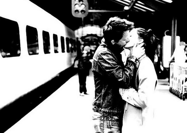 Ερωτικές γνωριμίες σε βαγόνι του μετρό! thumbnail