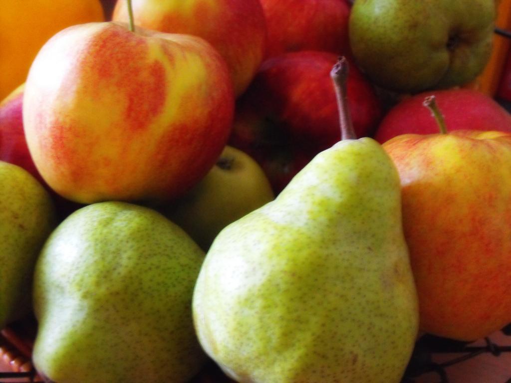 Μήλα και αχλάδια μειώνουν τον κίνδυνο εγκεφαλικού thumbnail