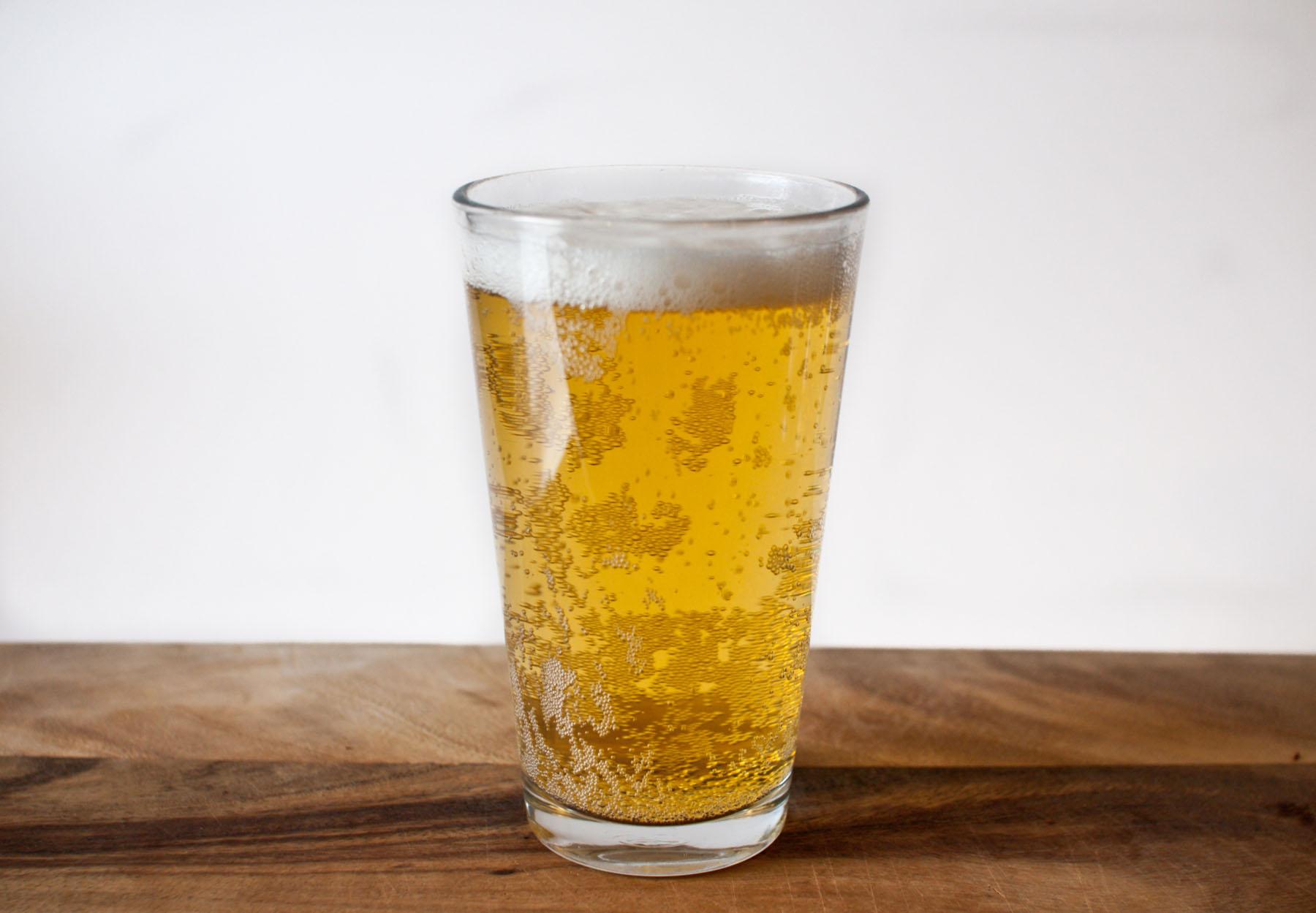 H πολλή μπύρα αυξάνει τον κίνδυνο καρκίνου στο στομάχι thumbnail