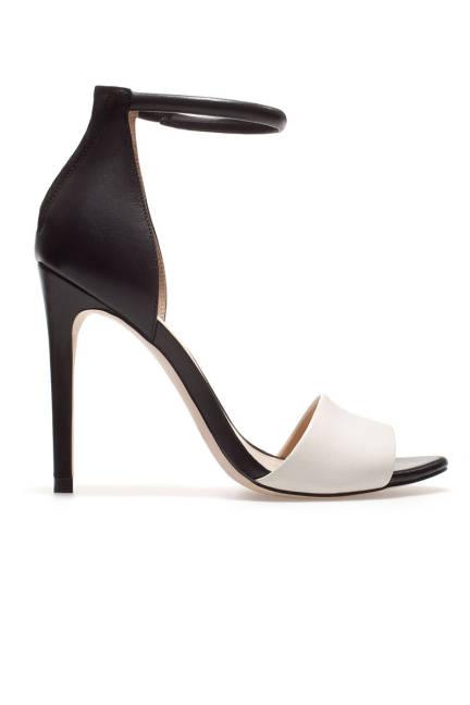 5 καλοκαιρινά ασπρόμαυρα παπούτσια! thumbnail