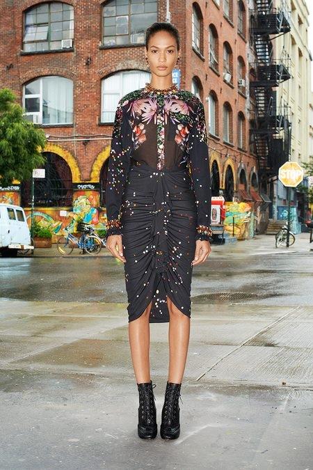 Απολαύστε τη χειμερινή κολεξιόν του Givenchy! thumbnail