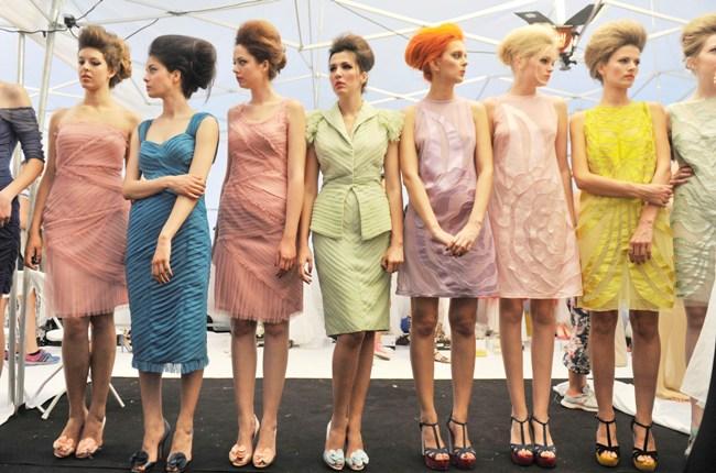 10 φορέματα για όλη την ημέρα! thumbnail