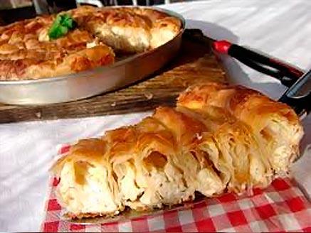 Χωριάτικη πίτα με λαχανικά σε 30'! thumbnail