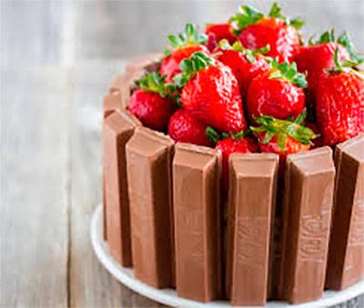 Τούρτα παγωτό με μπάρες σοκολάτας! thumbnail