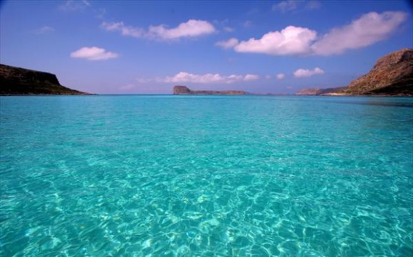 Οι 10 καλύτερες και φθηνές οργανωμένες παραλίες της Αθήνας! thumbnail
