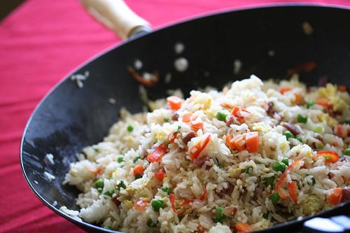 Φτιάξτε κινέζικο τηγανιτό ρύζι! thumbnail