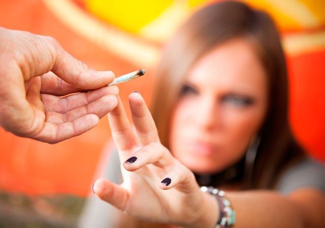Ναρκωτικά: Τι πρέπει να προσέχουν οι έφηβοι;  thumbnail