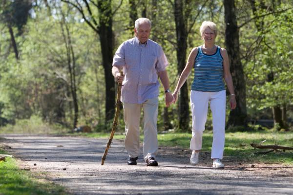 Περπάτημα.Πώς προστατεύει από το διαβήτη τύπου 2; thumbnail