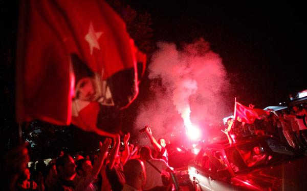 Τουρκία: Επεισόδια παρά την υποχώρηση Ερντογάν thumbnail