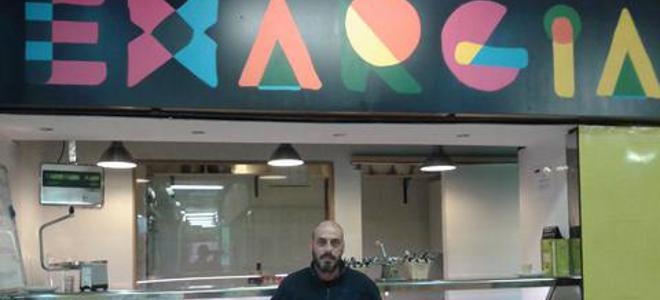 Καλαματιανός άνοιξε στη Μαδρίτη μαγαζί με το όνομα «Εξάρχεια»  thumbnail