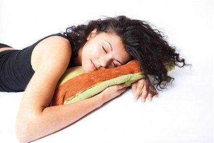 Τι φανερώνει για τη σχέση σας ο τρόπος που κοιμάστε;  thumbnail