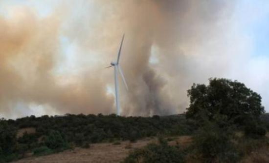 Υπό έλεγχο η φωτιά στον Κάβο Ισθμίων thumbnail