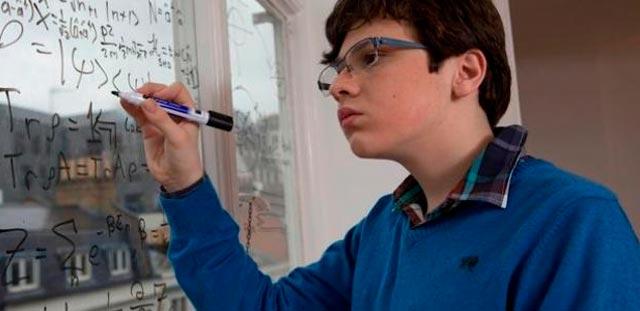 Εφηβεία: H ζωή με το σύνδρομο Άσπεργκερ thumbnail