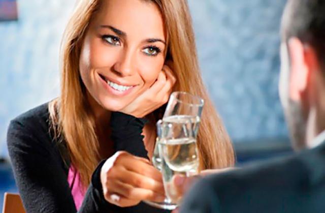 Κοπλιμέντα:7 τρόποι να γοητεύσεις μια γυναίκα thumbnail