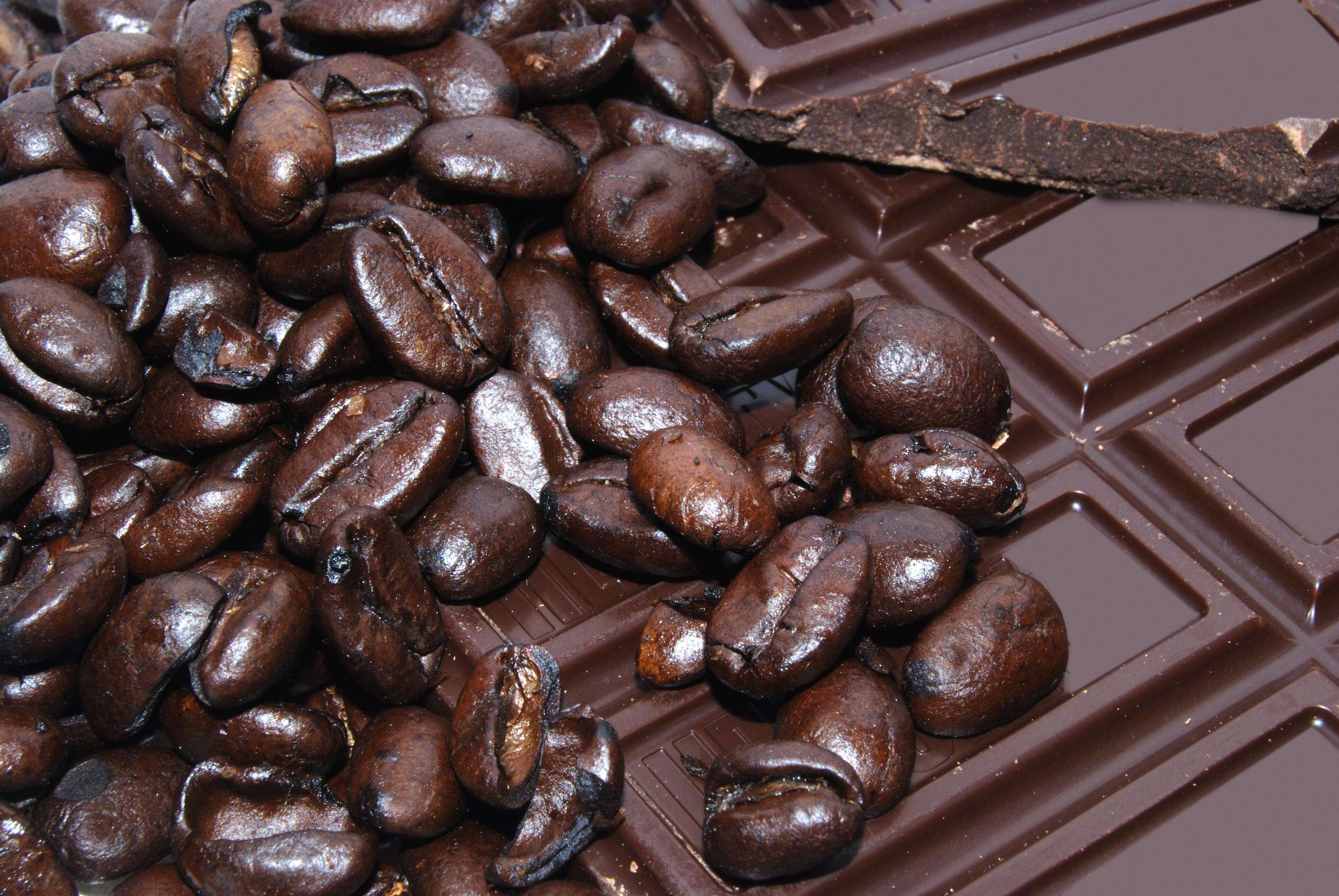 Η μαύρη σοκολάτα ρίχνει τη χοληστερίνη! thumbnail
