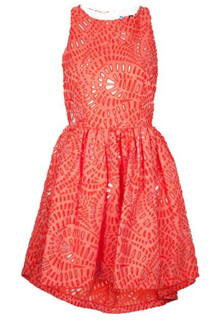 15 εντυπωσιακά φορέματα thumbnail