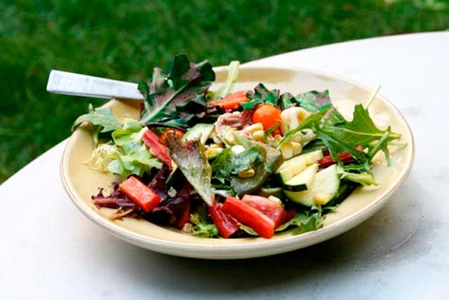 Φτιάξτε μια δροσερή καλοκαιρινή σαλάτα! thumbnail