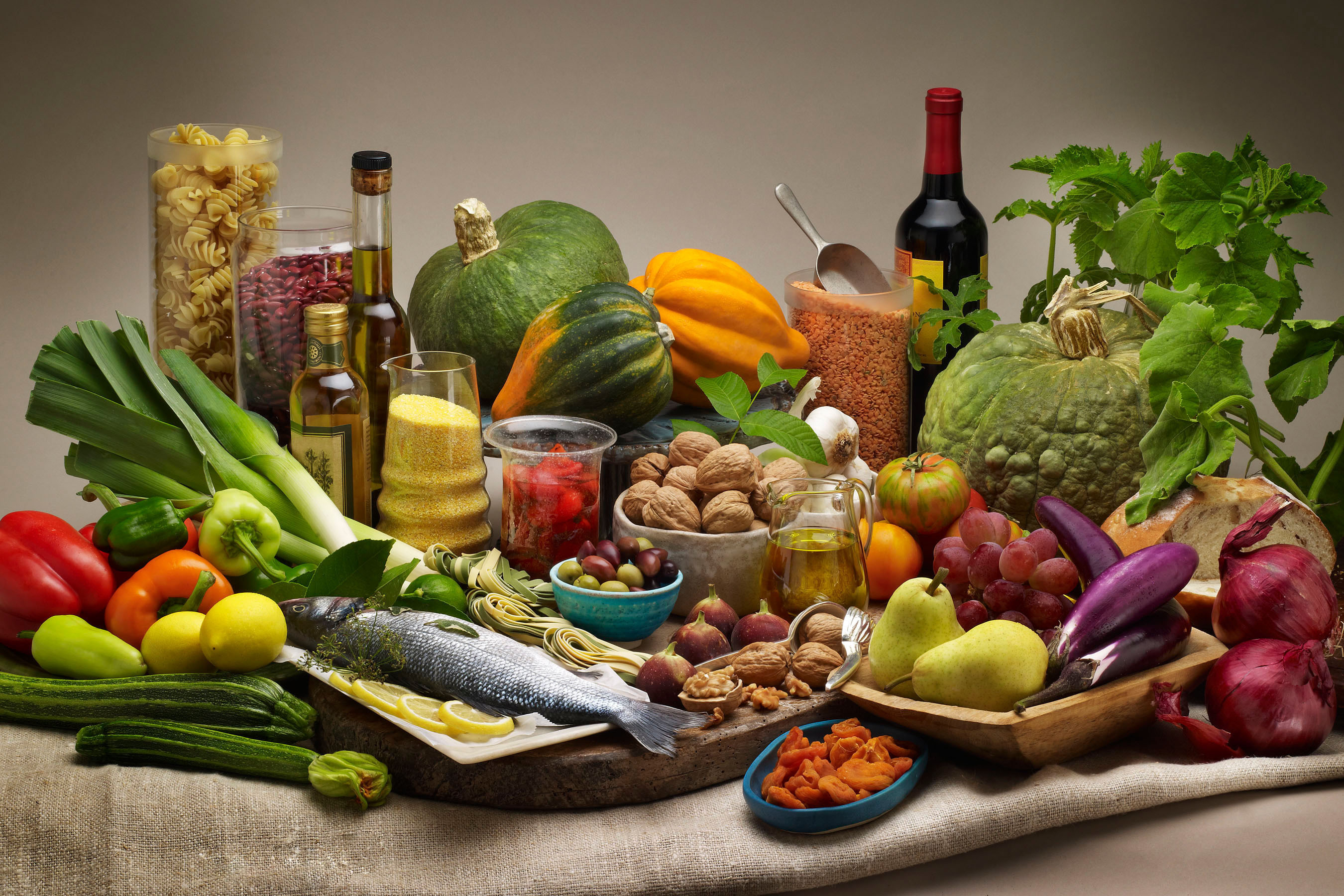 Μεσογειακή διατροφή: ποια είναι τα οφέλη της για την υγεία μας; thumbnail