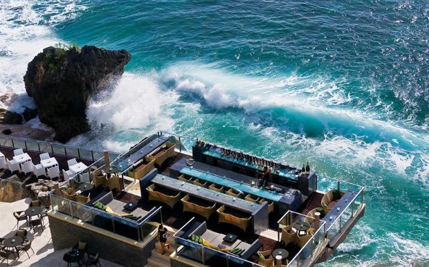 Τα 15 ωραιότερα hotel bars στον κόσμο! thumbnail