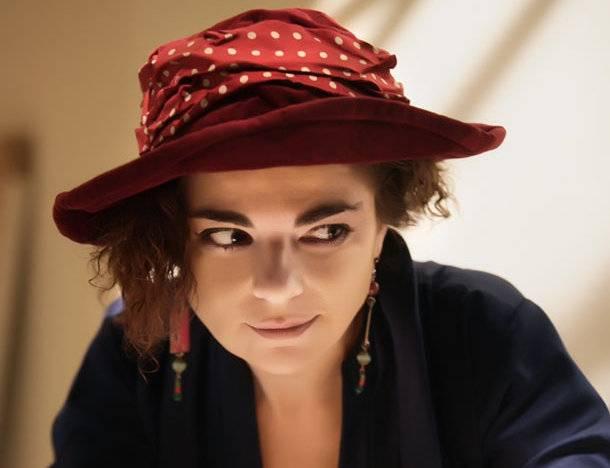Η Μάνια Παπαδημητρίου απαντά σε 16 αδιάκριτα ερωτήματα thumbnail