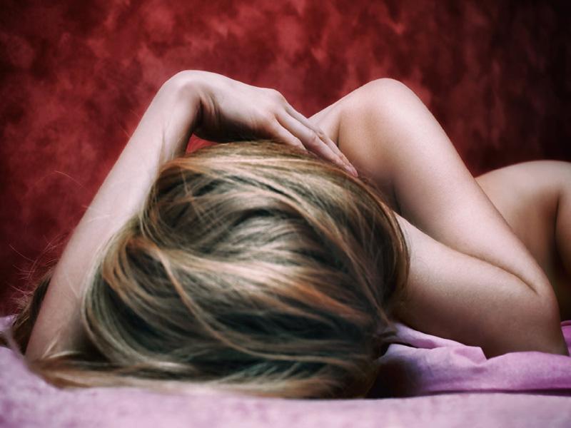 «Με είδε η κόρη μου να κάνω σεξ! Αισθάνομαι πολλές ενοχές... Τι να της πω;»