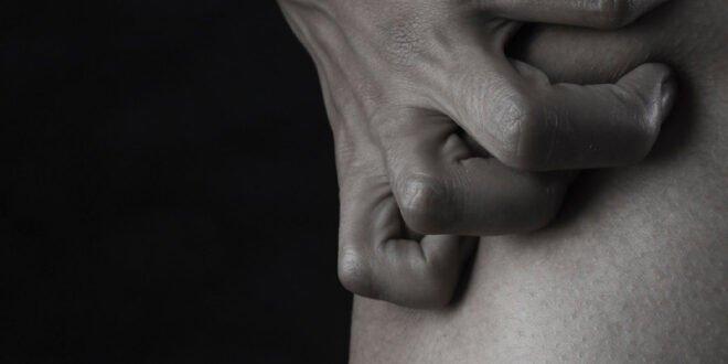 Τι δείχνουν τα δάχτυλα του άνδρα για το πέος του;