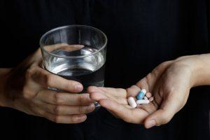 exartisi-apo-iremistika-katachrisi-psychofarmaka-antimetopisi