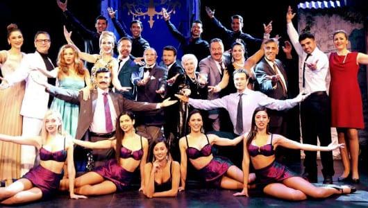 Παρατείνεται η παράσταση Γοργόνες και μάγκες στο Θέατρο Broadway