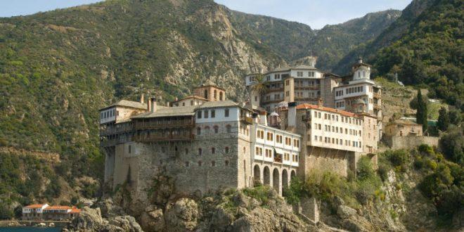 Δείτε τι τρώνε στο Άγιο Όρος οι μοναχοί: Το «μυστικό» της μακροζωΐας