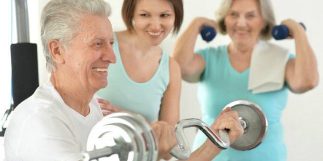 Πώς ωφελεί η άσκηση τους ηλικιωμένους άνδρες;