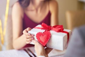 agios-valentinos-dora-idees-gia-dora