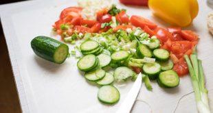 choriatiki-salata-me-zimarika