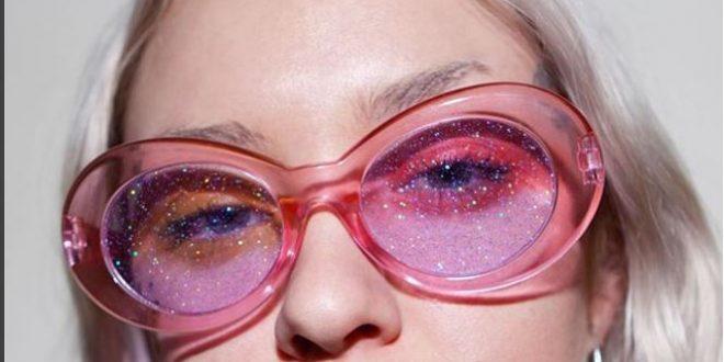 Το νέο trend στο Instagram: glitter γυαλιά ηλίου και μυωπίας!